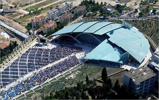 Renzo Piano, Chiesa di Padre Pio, San Giovanni Rotondo, Puglia, 2004